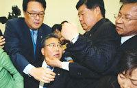 북한, 개성공단 사업 전면 재협상 요구 外