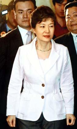 박근혜는 선덕여왕을 꿈꾸나