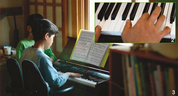 나이 쉰에 둥당둥당 '한 곡 피아니스트'로 데뷔