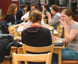 영국 대학은 新빈곤층 양성소?