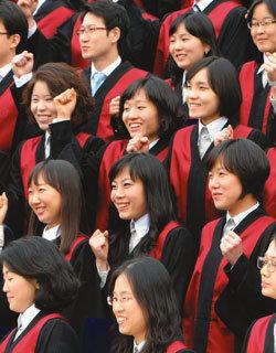 대한민국 '엄마 검사'들이 사는 법