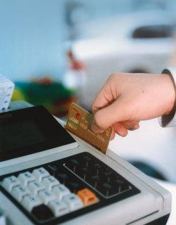 카드 도둑 결제, 물 쓰듯 호화생활