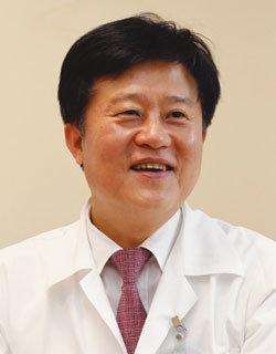 백혈병 치료 25년 외국서 더 명성