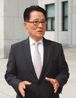 """""""정보력? MB가 주는 셈 … '빅3' 제대로 싸움 붙일 것"""""""