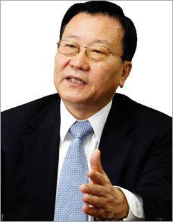 """""""공동체 통합 노력 부족 … MB가 뒤로 빠져 개헌되겠나"""""""
