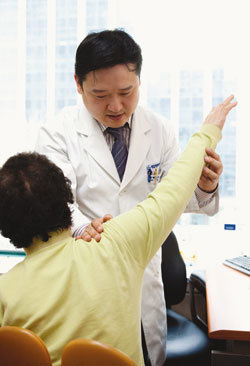 제일정형외과병원 오십견 무수술 新치료법