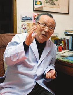 """""""평범한 할아버지 의사? 내 인생도 소설 몇 권은 넘어"""""""