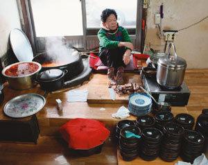 뜨끈 든든한 한 끼 '국밥'이 최고지!