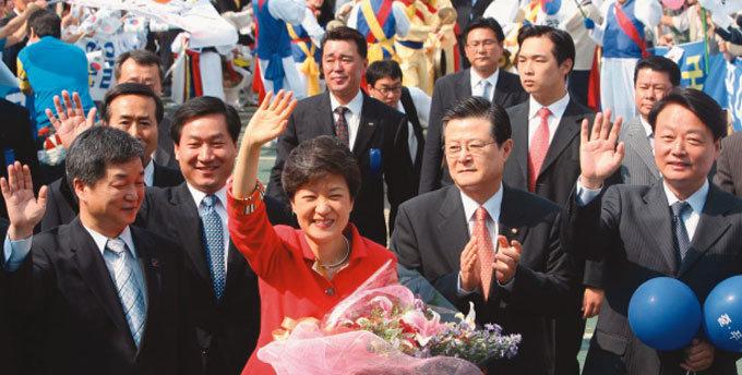 '선거의 여왕' 놀라운 3대 변신
