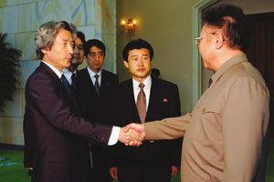 아베의 불온한 야심 동북아 갈등 증폭 먹구름
