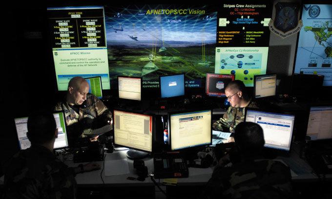 날마다 기습과 폭격 美·이란 사이버전쟁 터졌다