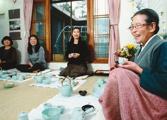 茶예절 선생님은 88세 할머니