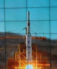 北, 장거리로켓 기습 발사 성공 外