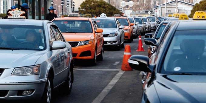 택시법은 대중교통 역주행法