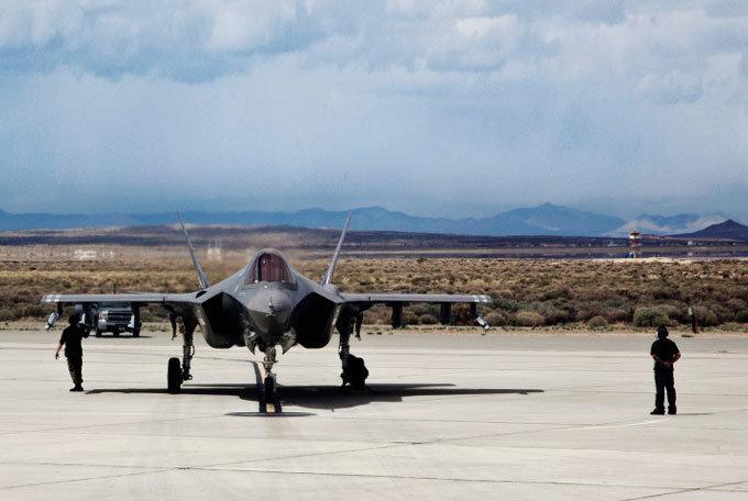 말썽 많은 'F-35'는 아웃?