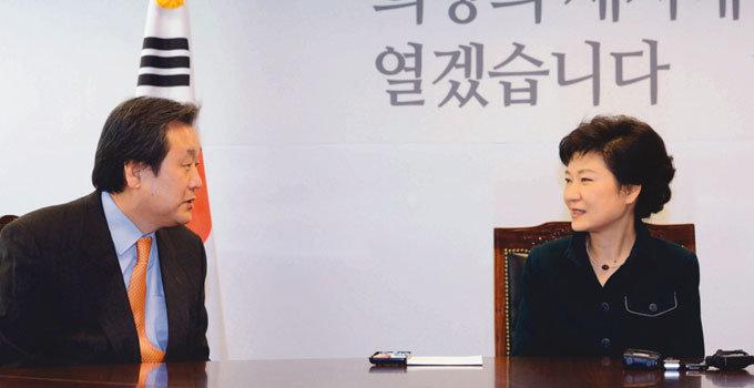 김무성 '화려한 귀환' 셈 읽기