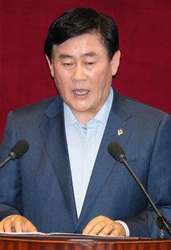 '최경환 리더십' 6월 국회가 시험대