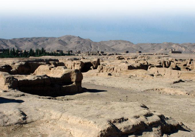 실크로드 모래바람은 문명이 오간 역사 알고 있다