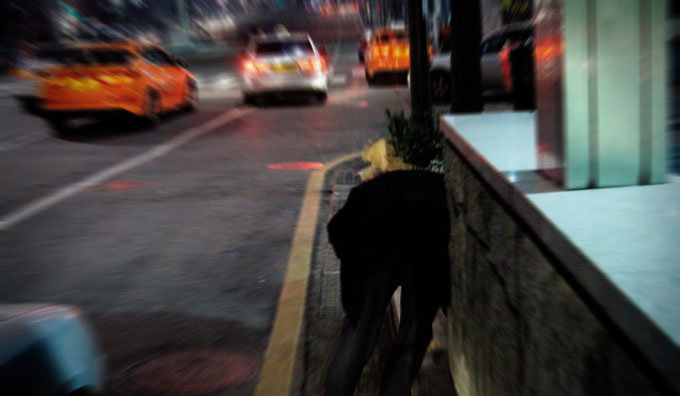 도로서 질주…택시서 탈주…무차별 폭행… 필름 끊긴 술고래 씨