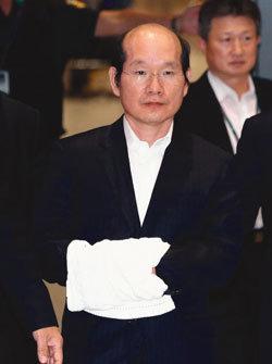 2조 원대 주식담보 최태원 회장 SK그룹 포기하나