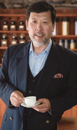 """""""100년 넘은 한국 커피 문화 맛있게 볶아 나누고 싶죠"""""""