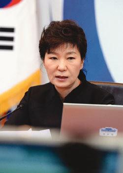 스텝 꼬인 '대응정무'…분통 터진 민심