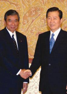 아베의 '더블 도발'…한일관계 파국 위기