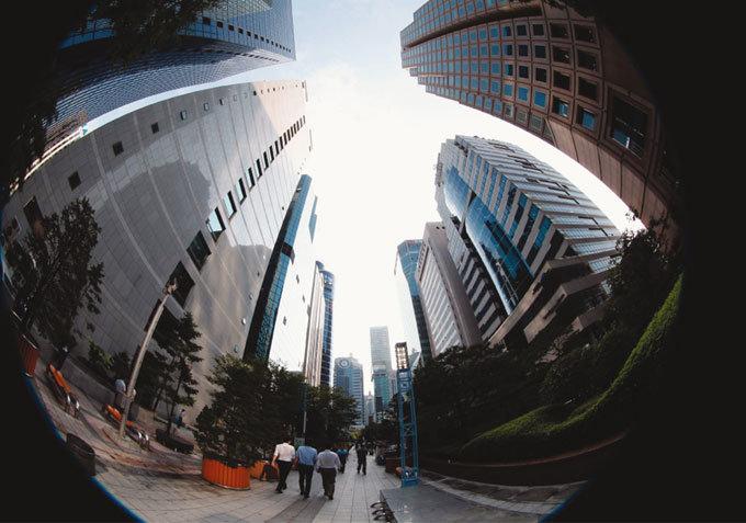 """2015년 한국 경제 """"모든 게 비관적"""""""