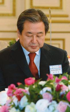결사체 '친박' vs 연합군 '비박'