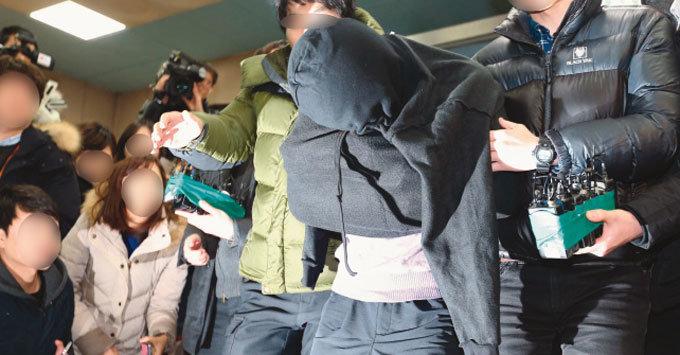 가족 살해 이유가 '강남계급' 이탈 공포?