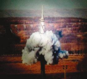 타오르는 중국 vs 일본 미사일 공방전