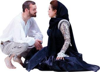 익살맞고 떠들썩한 터키풍 오페라