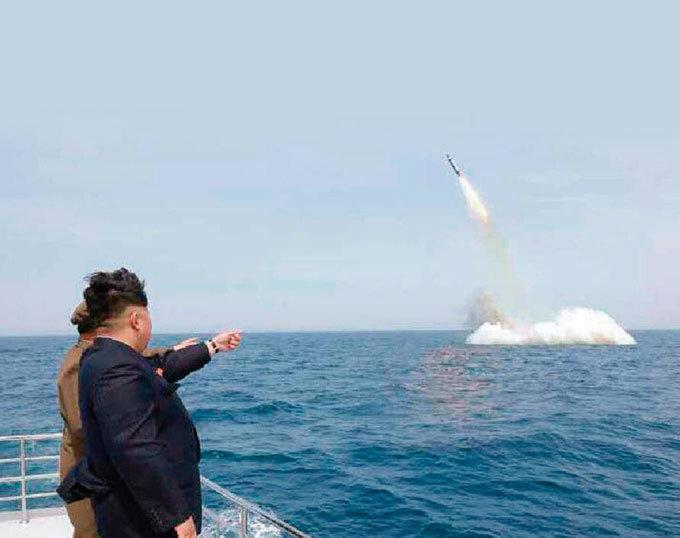 북한 SLBM 발사 사진 과연 조작일까
