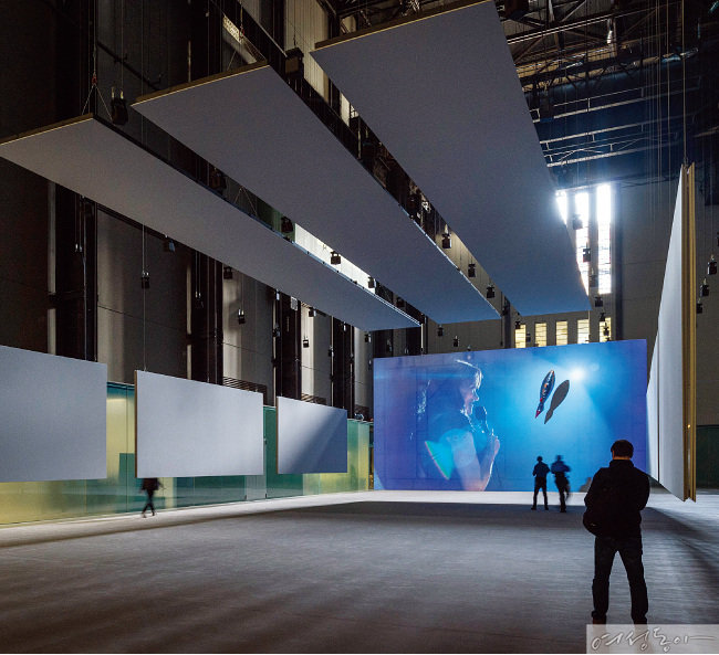 가장 현대적인 미술, '현대'적인 예술 후원