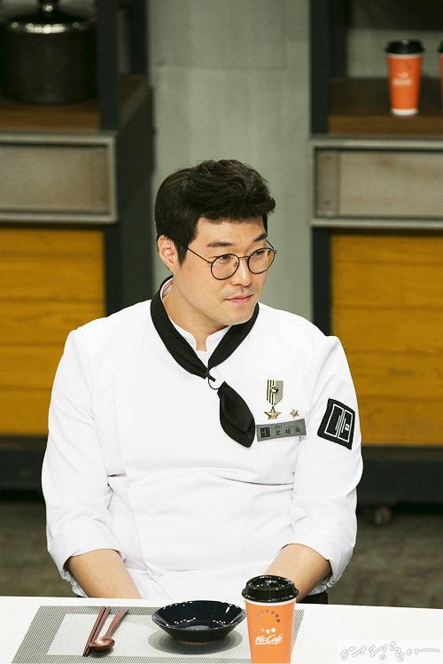 [여성동아 단독] 오세득 셰프 4월 띠동갑 여자 친구와 결혼