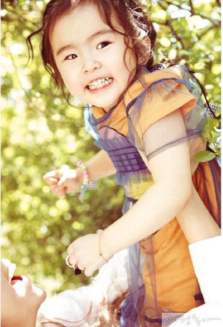 Modern_ Family 김지우와 두 딸 아쿠와 루아