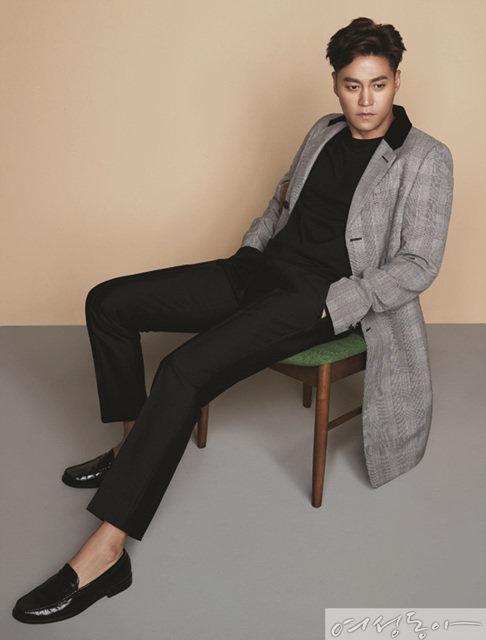 Manners maketh man, LEE SEO JIN