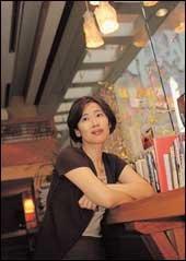 5년만에 새 장편소설  펴낸  작가 전혜성