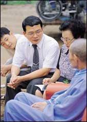 전 재산 털어 호스피스 시설 마련, 말기암환자 돌보는 의사 심석규