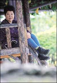 데뷔 30년 기념 음반 낸 가수 양희은