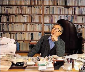 44년 문학 인생 기념하는 전집 펴내고 노벨문학상 후보에도 오른 고은