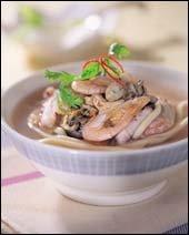 시판 면발로 만든 간편 별미, 다국적 국수 요리