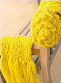 노란색 롱머플러 & 모자