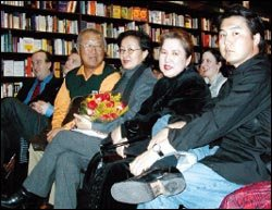 미국에서 '올해 주목할 작가'에 선정된 수키 킴