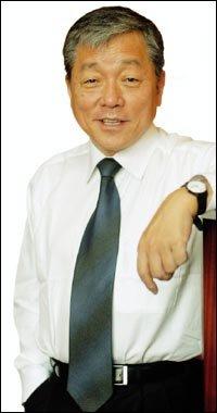 세계보건기구(WHO) 사무총장에 당선된 이종욱
