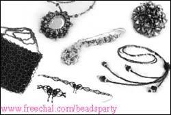 구슬로 꽃반지, 목걸이, 아기 신발 만들며 친목 다지는'비즈파티'