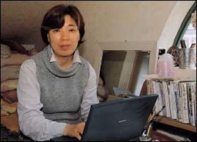 시골 5일장에서 '동동 구리무'파는 아줌마 시인 안효숙