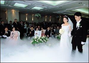 손녀 결혼식으로 퇴임 후 첫 나들이한 김대중 전 대통령 부부 요즘 생활
