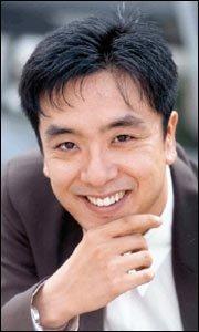 영화 '역전에 산다'에서 코믹연기 펼치는 영화배우 김승우