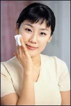 투명한 피부를 위한 화이트닝 케어
